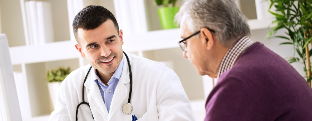 cardiologist meeting with patient